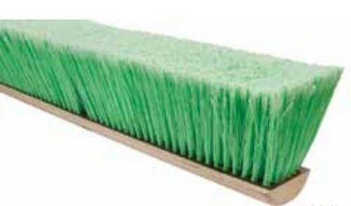 "Magnolia Brush #618 18"" Green Flagged Tip Polystyrene Pro Series Push Broom"