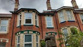 Newton Abbot two bedroom flat £595