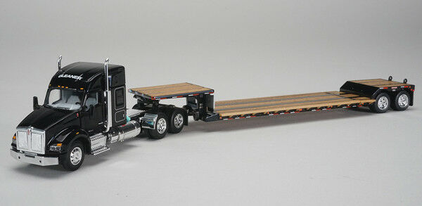 1/64 DCP Gleaner - Kenworth T880 Sleeper Cab with Fontain Renegade Lowboy Traile