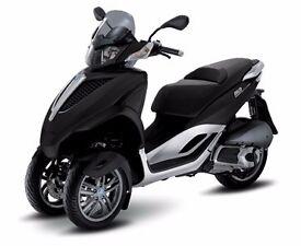 Piaggio MP3 YOUrban / Sport LT 300 IE. BLACK. Ride it on car licence. SALE! SAVE £799!