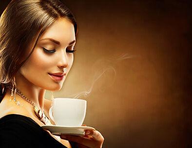 Geschenktipps für Koffeinsüchtige: Originelle Kaffeebecher
