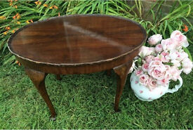 Lovely vintage oval coffee table shapely Queen and legs pie crust top