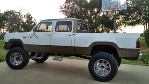 Power wagon with 440 (WANTED)