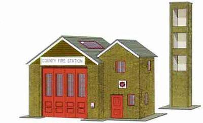 Superquick B36 Fire Station (OO card kit)