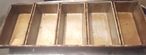 Used Chicago metallic 56 - 5 bread pans. 5 strap. *Used*