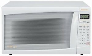 Panasonic Family-Size 1.2-Cubic-Foot 1,200-Watt Microwave, white