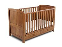 Silvercross Devonshire 2 piece baby cot and changing table set
