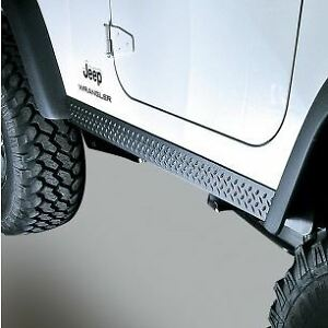 Moulures de Bas de Caisse Diamond Tread TJ