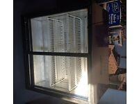 Commercial drinks cooler / beer fridge