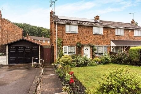 3 bedroom spacious hous available for rent ideal for a family looking to move close to all amenties