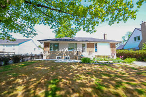 JUST LISTED FOR RENT -  ️ 3 Bedroom Bungalow in Oakville, ON
