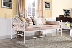 Twin size day bed