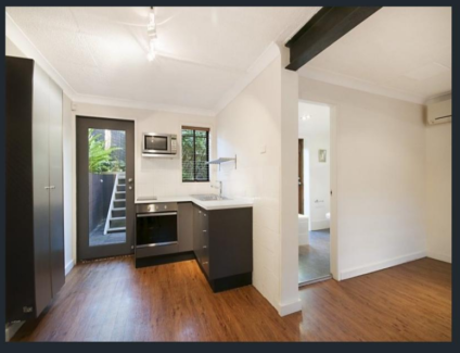 Tranquil, private granny flat for rent. Walk to beach