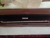Beautiful 9ct 375 Gold Double Curb Link Bracelet