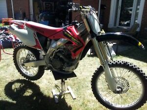 MINT CRF 450 FOR SALE - NEW CONDITION