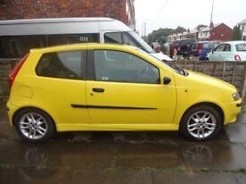 Fiat Punto Sport 2002 for sale.