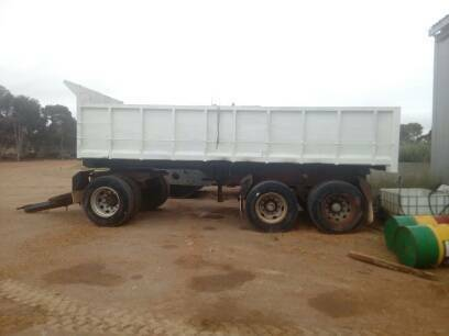 Dog Trailer - 3 Axle Trailer Semi