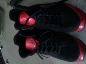 size 15 pro player high cut shoes LIKE NEW!! Belleville Belleville Area image 1