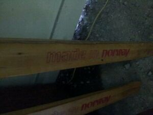 antique wooden skiis in great cond with poles Belleville Belleville Area image 3