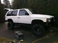 1992 Nissan Pathfinder 4x4 Lifted