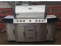 NAPOLEON INFRARED SIZZLE ZONE- BBQ - GOURMET GRILLS -Gas barbeque grill VERY GOOD CONDITION