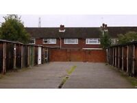 GARAGE IN WALTHAM CROSS TO RENT - AVAILABLE NOW!