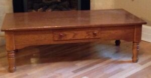 Oak coffee table / table basse en chene