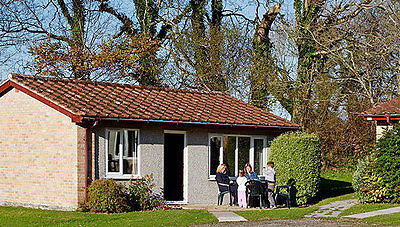 4 NIGHTS HOLIDAY IN CORNWALL COUNTRY PARK  DELIGHTFUL 2 BED BUNGALOW- FISHING