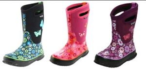 Looking for girls winter BOGS size 2