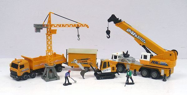 CARARAMA 1/60 SCALE CRANE AND CONSTRUCTION GIFT SET MADE OF DIECAST   404-014