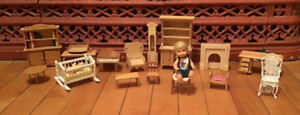 Vintage Lot of Doll House Furniture. 18 pieces