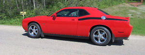 MOVING MUST SELL - 2010 Dodge Challenger S.E