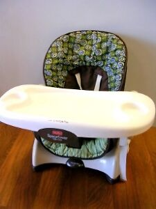 Fisher Price High Chair for feeding / Siege $30