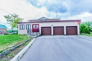 House for Lease 4+2.5 Triple Garage Huge Lot Gore/Pannahill Bram