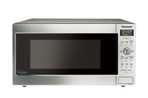Panasonic NN-SD755S Cyclonic Wave Inverter Microwave