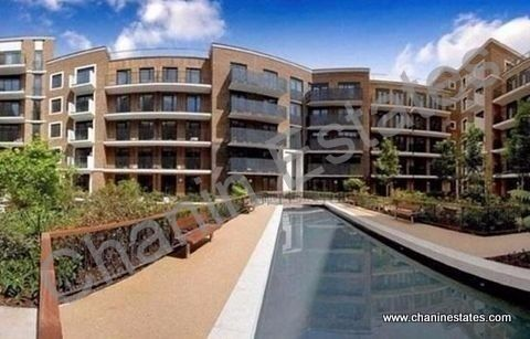 High spec two bed apartment on top of Canada Water Tube station with private gym & concierge service