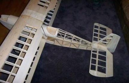 R/C plane builder