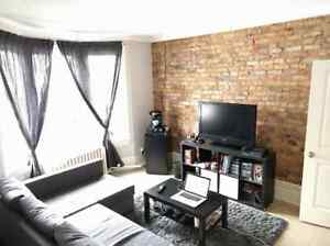 STINSON - 2 Bedroom Fully Renovated - Parking/Laundry