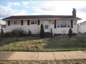 Awesome! 3+2 Bedroom Bungalow with Large Detached Garage***