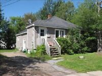 Excellent 3 Bedroom Starter Home, Centrally Located***