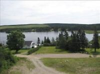 Beautiful LAKE FRONT 4 Bedroom Home Near Fundy Park***