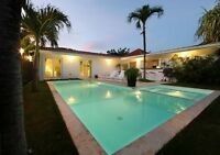Private villa with pool in beautiful resort