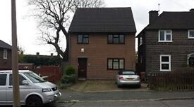 2 bedroom flat in Winslow Grove, Chingford