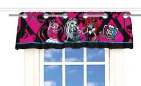 MONSTER HIGH WINDOW VALANCE