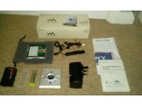 Retro sony pocket minidisc walkman. Complete & boxed .