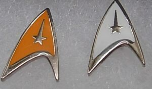 Star-trek-gold-or-white-colouredpin-badge-Now-available-as-a-boxed-pair