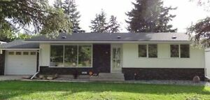 ***PRICE REDUCED MUST GO! BRIGHT AND BEAUTIFUL BUNGALOW***