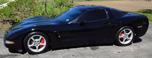 2004 Chevrolet Corvette Coupe (2 door)