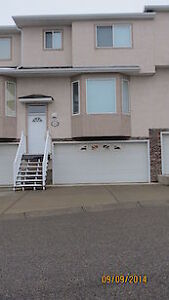 Rent or Rent to Own - Country Hills Townhome