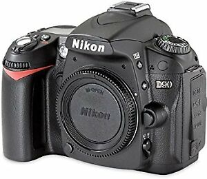 Nikon D90 with box like new 5480 shutter count